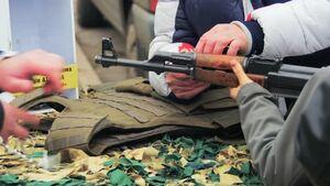 هیچ تاجر اسلحهای رنو سوار نمیشد/ در بازار چَرس فروشها آدمهای حرفهای را شناختم