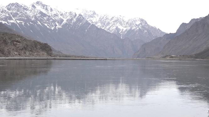 پیوستن هزاران هکتار زمین افغانستان با خاک تاجیکستان بر اثر انحراف رودخانه آمو
