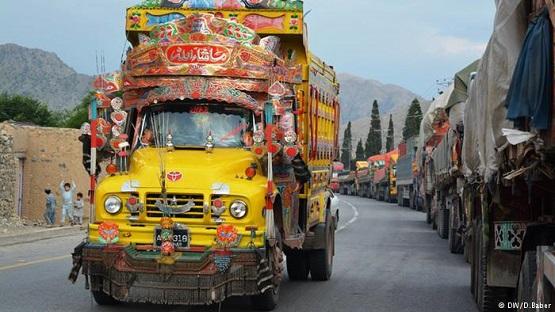 تاجران افغان از سهولتهای سازمان بین المللی جاده محروماند