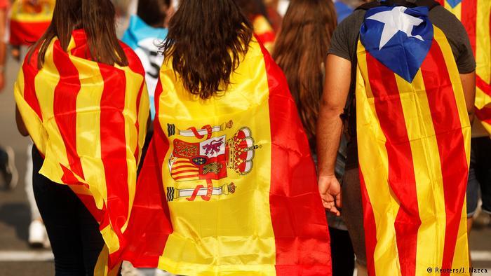 بحران کاتالونیا مردم را به جاده ها می کشاند