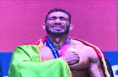 یاسین قادری قهرمان وزن 90 کیلوگرم پرورش اندام آماتور جهان شد