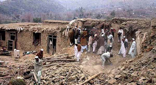حمله هوایی جنگندههای امریکایی و کشته شدن شمار زیادی غیرنظامی افغانستانی در کندز